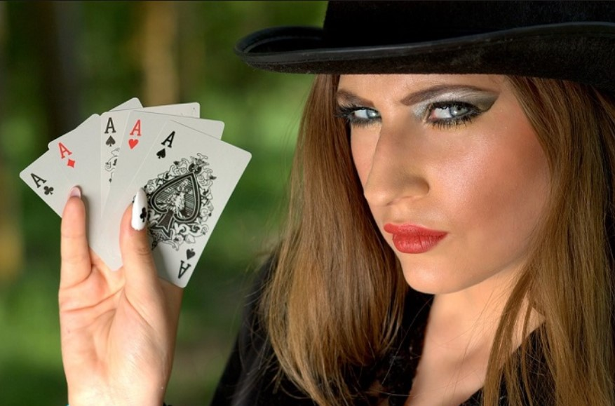 Small Bets Online Poker
